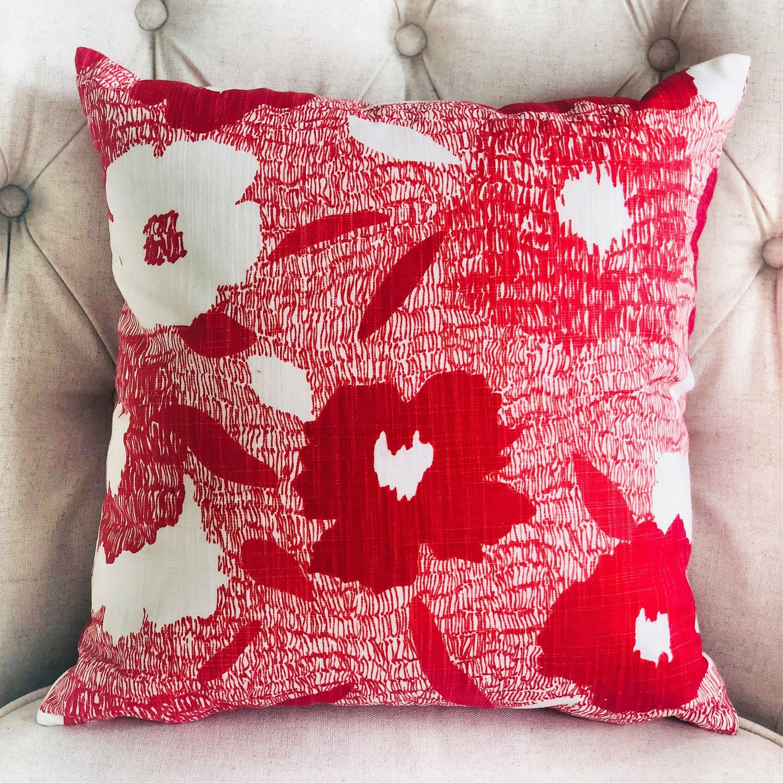 Plutus Hibiscus Red And Beige Luxury Decorative Throw Pillow Overstock 21256005