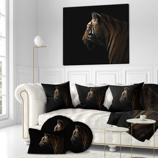 Designart 'Bengal tiger Portrait in the dark' Animals photography Print on Wrapped Canvas