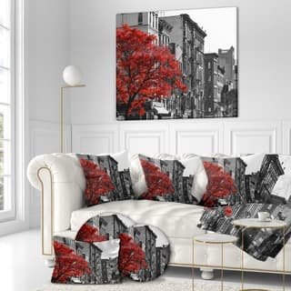 Designart 'Red Tree on Black and White New York City Street' Floral Cityscapes Photographic on wrapped Canvas - Grey