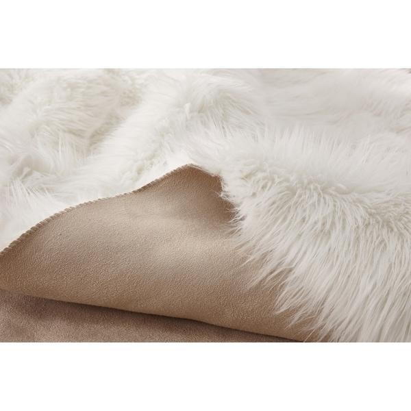 Wild Home Handmade Ivory Faux Coyote Area Rug - 5' x 7'