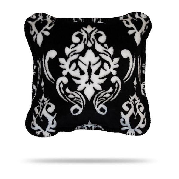 Denali Black Medallion/Black Pillow 18x18