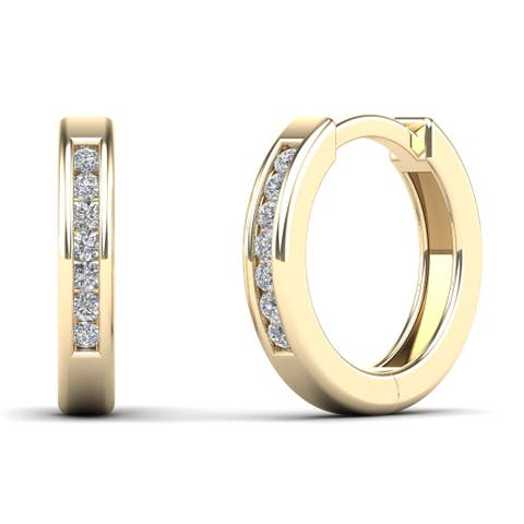 AALILLY 10k Yellow Gold 1/10ct TDW Diamond Huggie Hoop Earrings (H-I, I1-I2)