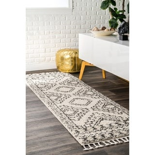 "nuLOOM Off-White Soft and Plush Moroccan Tribal Geometric Shag Tassel Area Rug - 2'8"" x 8' runner"