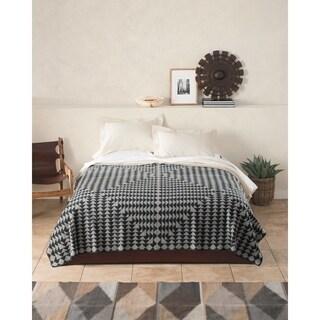 Pendleton Nova Queen Blanket