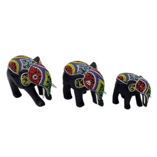 Handmade 'Colorful Elephants Wood Sculptures, Set of 3 (Ghana)