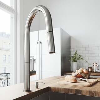 VIGO Greenwich Stainless Steel Pull-Down Spray Kitchen Faucet - Silver