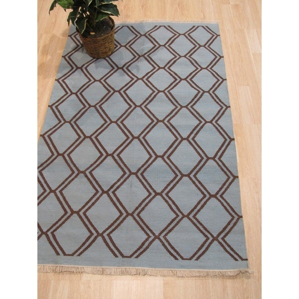 Handmade Polyester Blue Transitional Geometric Indoor/Outdoor Kilim Rug - 5' x 8'