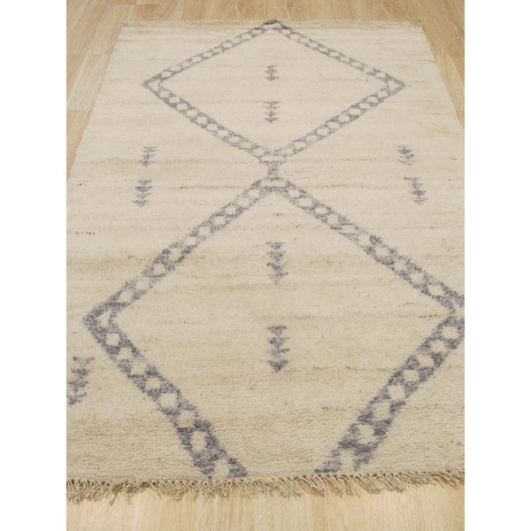 Hand-knotted Wool Ivory Transitional Trellis Moroccan Rug - 4' x 6'