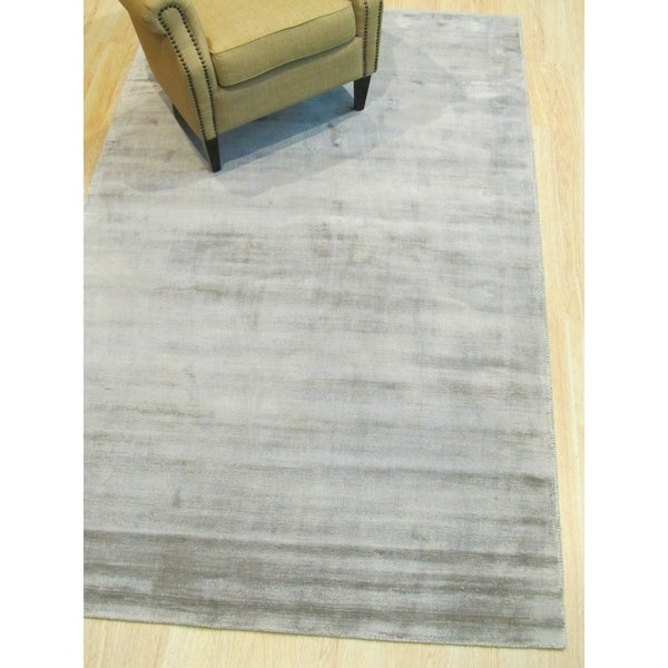Handmade Viscose Gray Contemporary Solid Random-cut Pile Rug - 5' x 8'