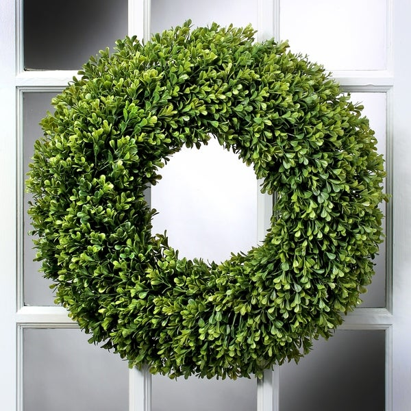 19 Inch Boxwood Wreath