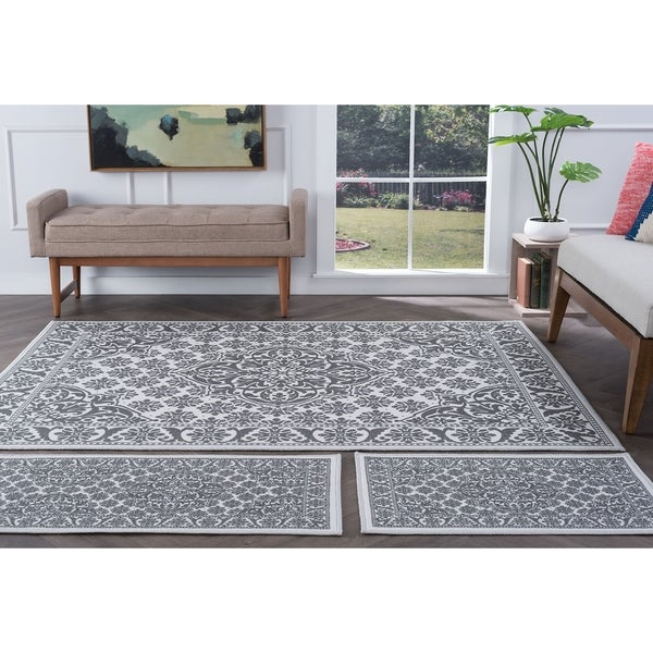 Alise Rugs Majolica Traditional Oriental Three Piece Set - 5' x 7'
