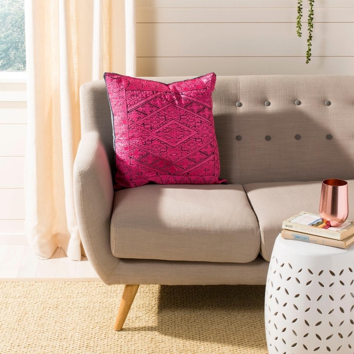 Safavieh Lila Boho Magenta Pink 20 Inch Decorative Pillow Overstock 21497732