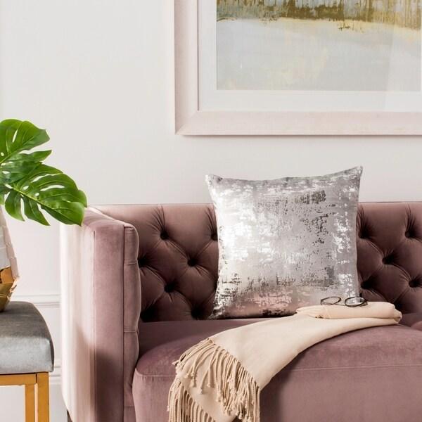 SAFAVIEH Edmee Metallic Grey/ Silver 20-inch Decorative Pillow. Opens flyout.