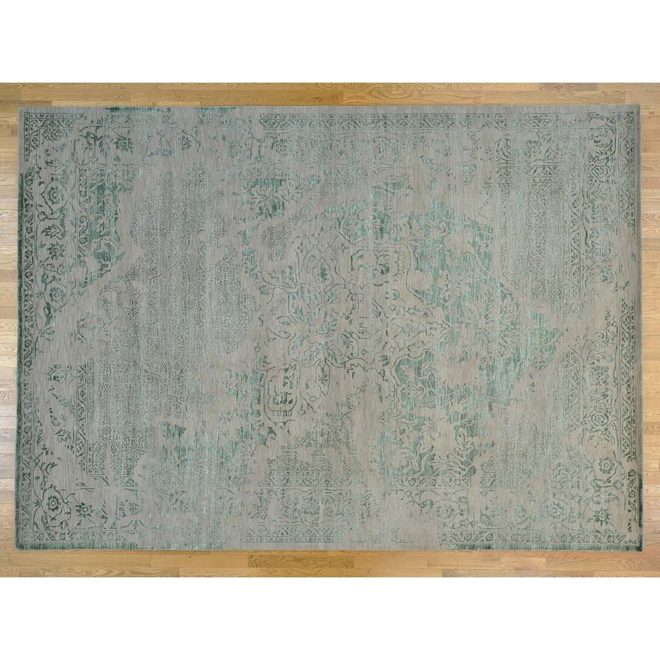 Hand Knotted Green Heriz with Wool & Silk Oriental Rug - 910 x 1310