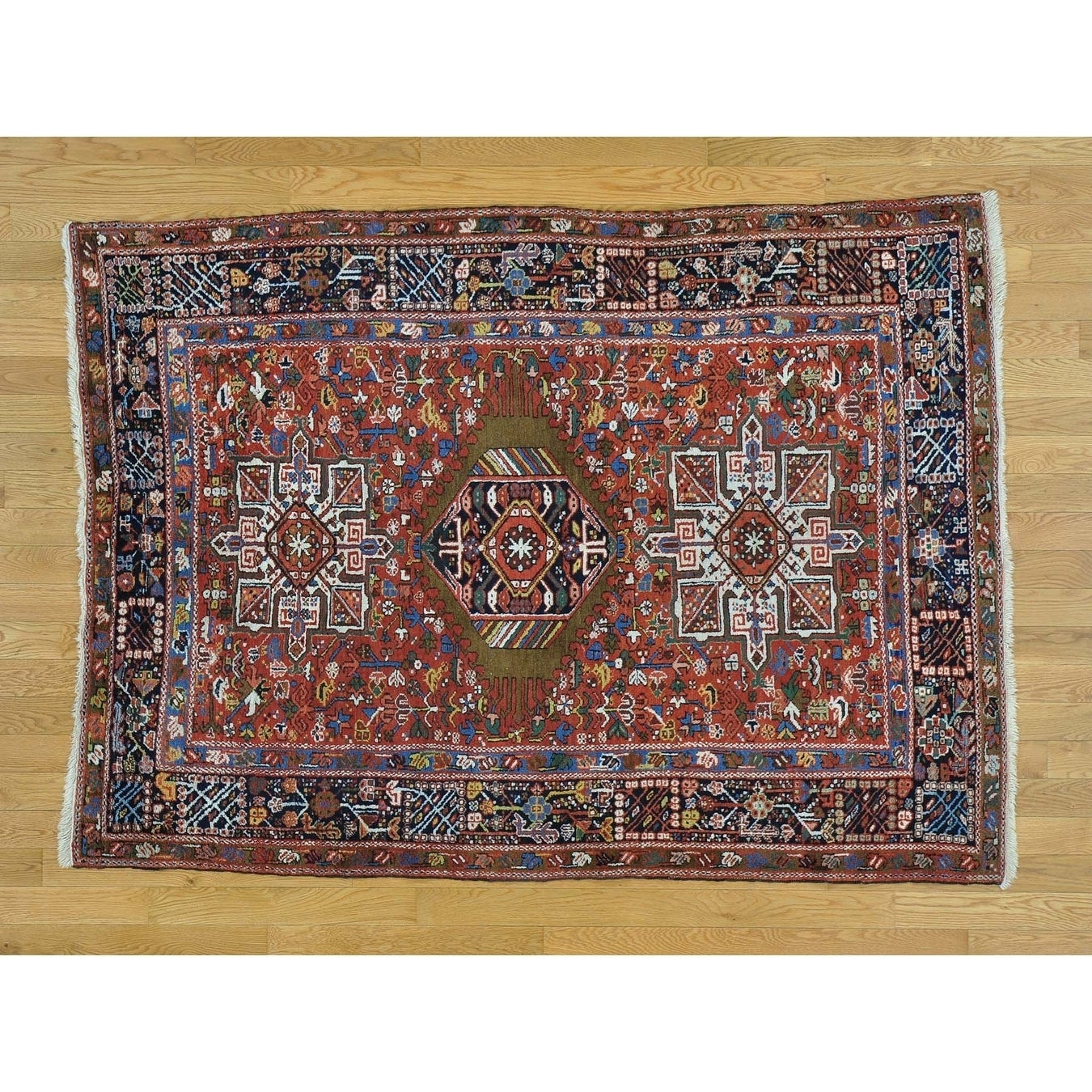 Hand Knotted Red Heriz with Wool Oriental Rug - 4'10 x 6'7