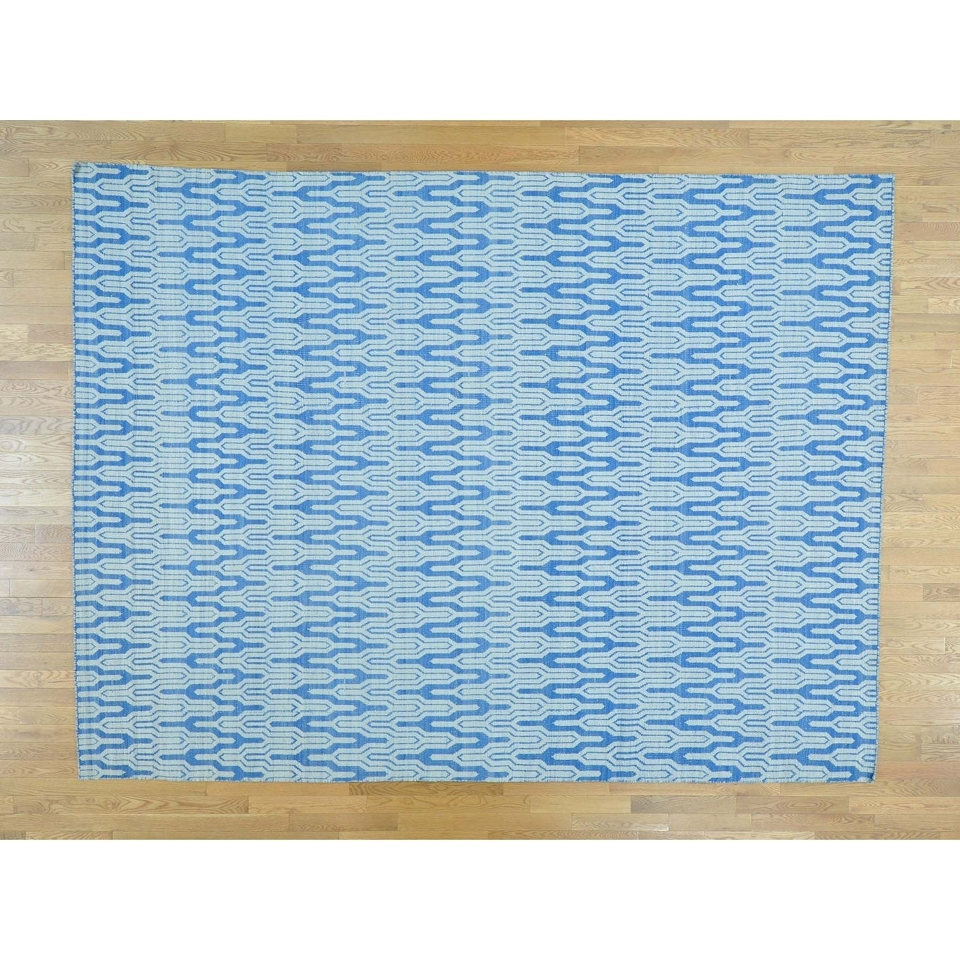 Hand Knotted Blue Flat Weave with Wool Oriental Rug - 93 x 123