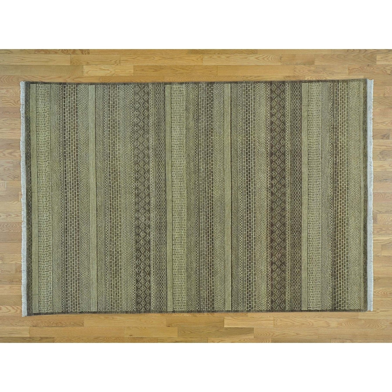 Hand Knotted Beige Clearance with Wool Oriental Rug - 6 x 810