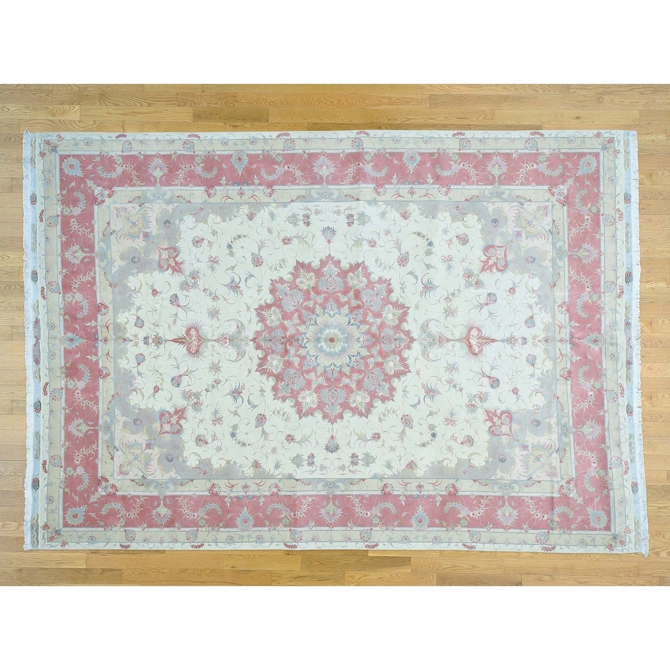 Hand Knotted Ivory Fine Oriental with Wool & Silk Oriental Rug - 81 x 116