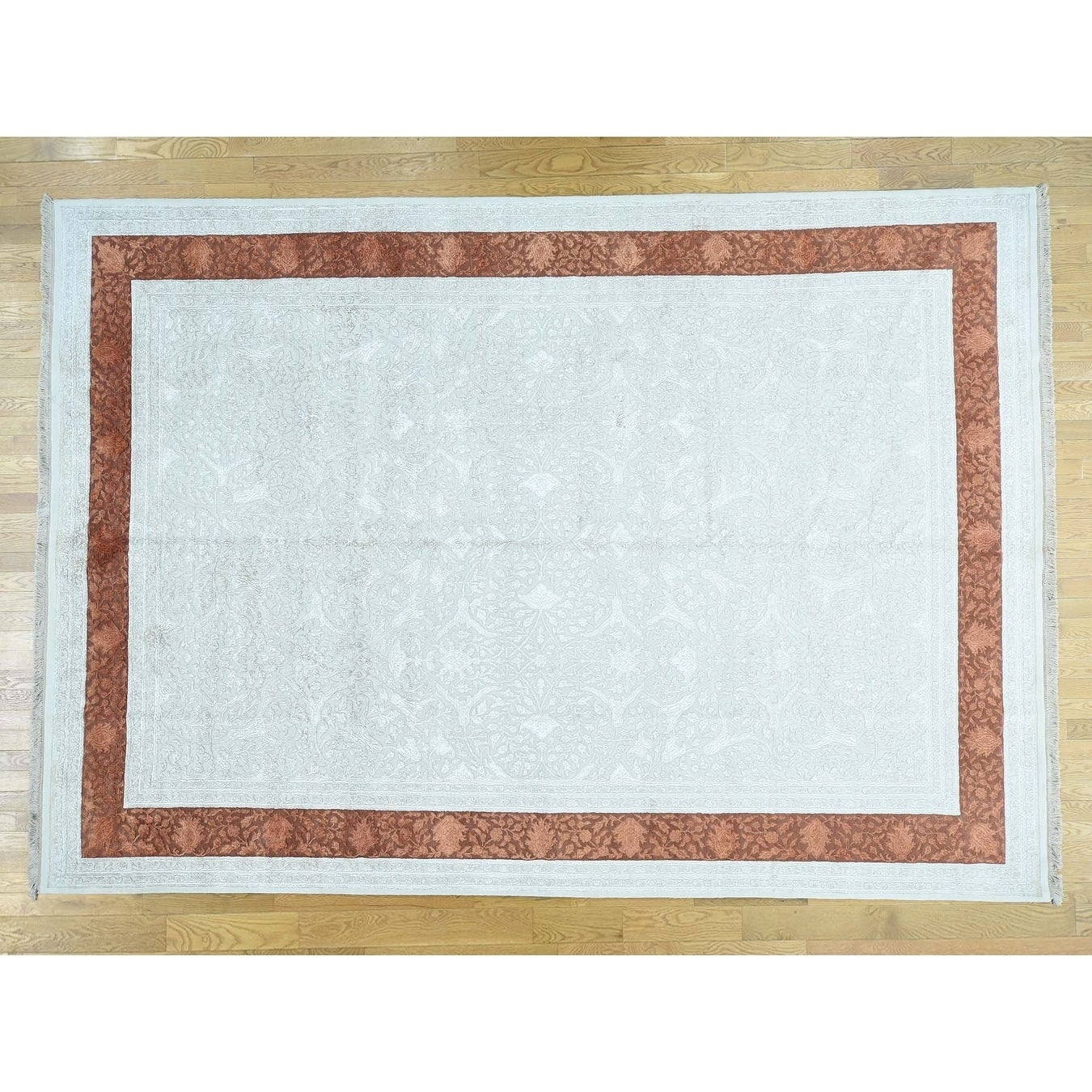 Hand Knotted Ivory Modern & Contemporary with Wool & Silk Oriental Rug - 97 x 139