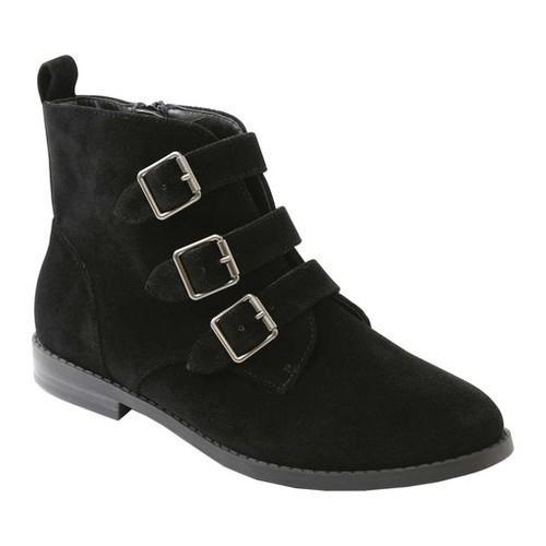 c51250c63397 Shop Women s XOXO Fabrizio Ankle Bootie Black Faux Suede - Free Shipping  Today - Overstock - 18605664