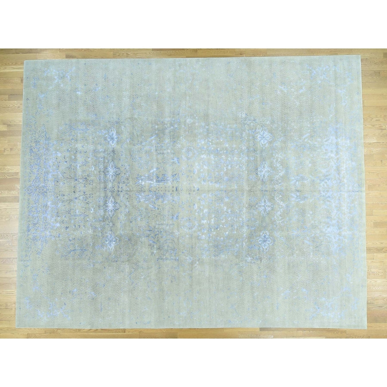 Hand Knotted Beige Modern & Contemporary with Wool & Silk Oriental Rug