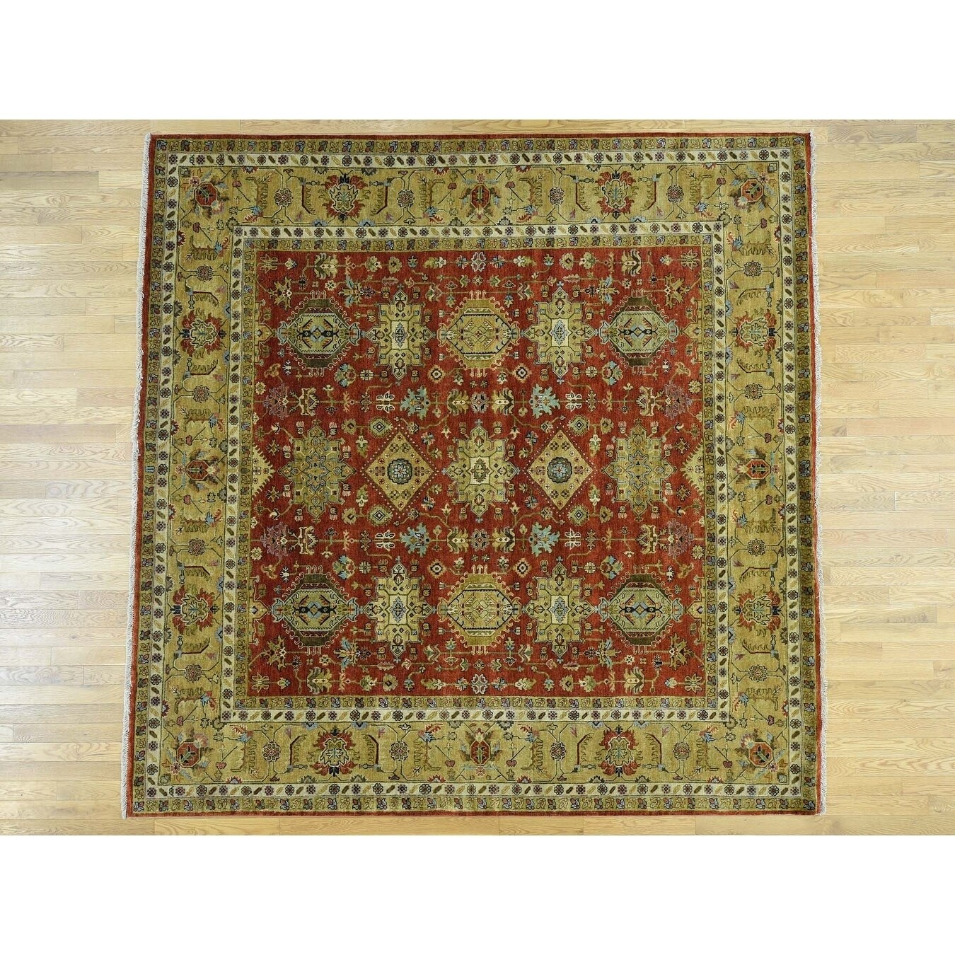 Hand Knotted Red Heriz with Wool Oriental Rug - 101 x 101