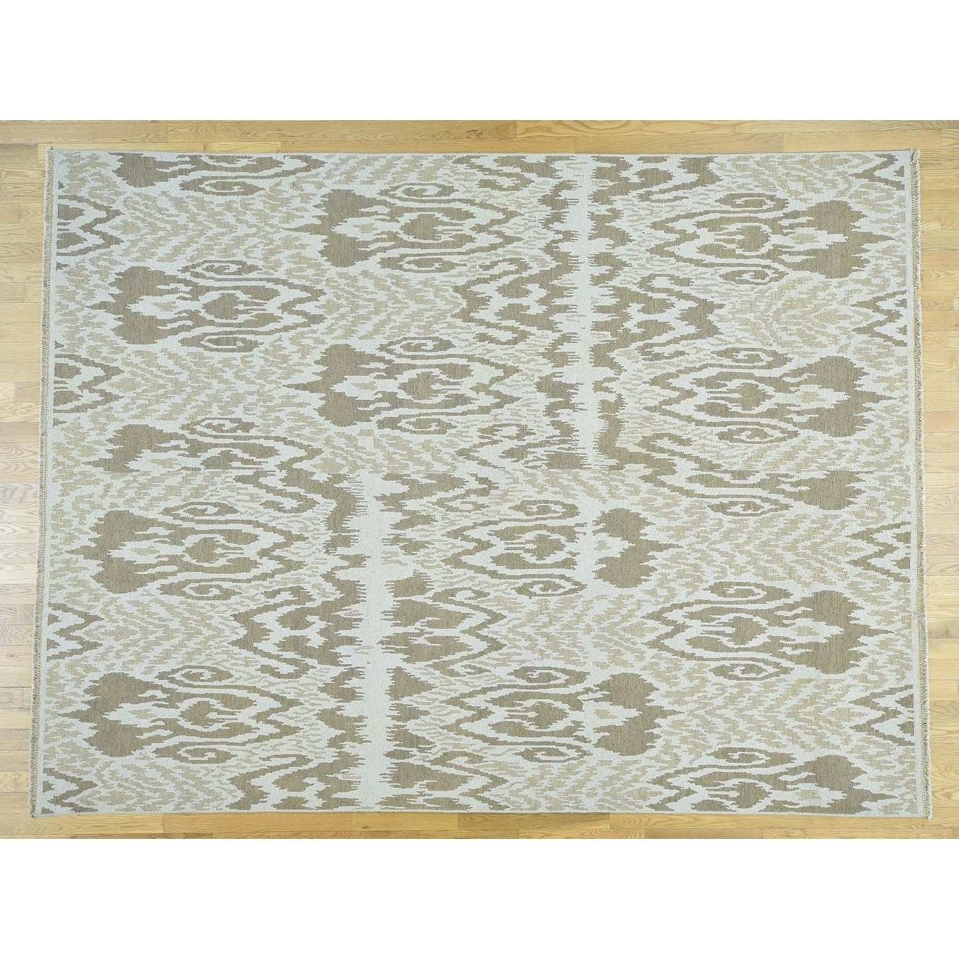 Hand Knotted Ivory Ikat And Suzani Design with Wool Oriental Rug