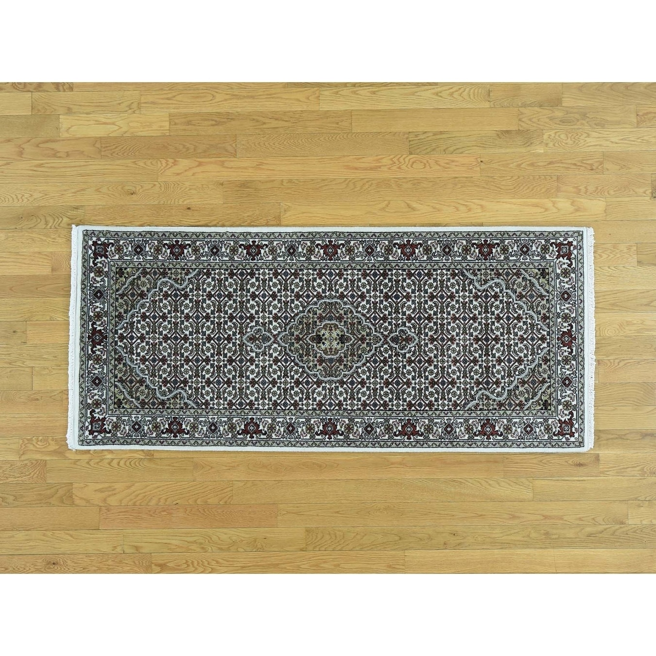 Hand Knotted Ivory Fine Oriental with Wool & Silk Oriental Rug - 28 x 6
