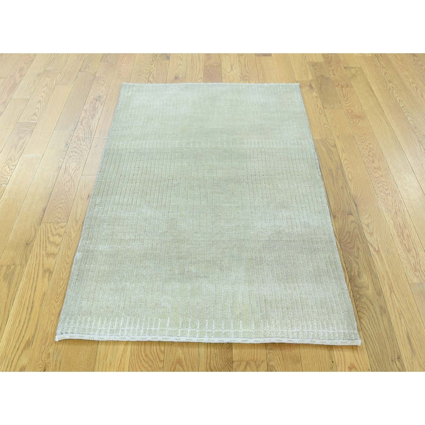 Hand Knotted Beige Modern & Contemporary with Wool & Silk Oriental Rug - 26 x 42