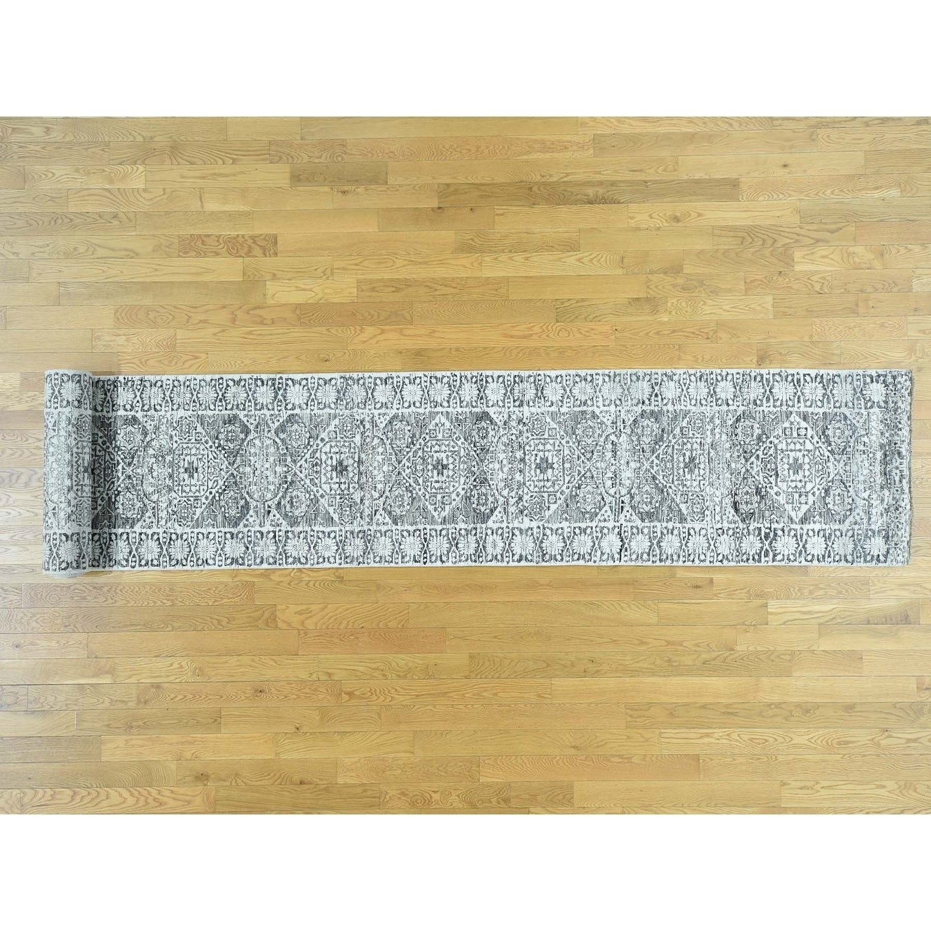 Hand Knotted Ivory Mamluk with Wool Oriental Rug