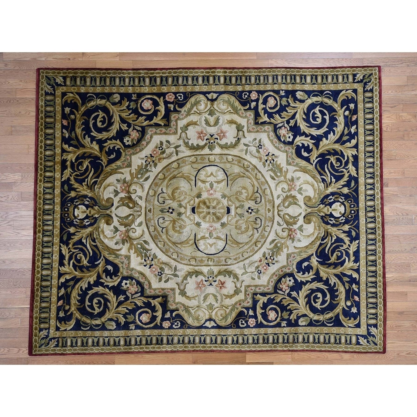 Hand Knotted Ivory European with Wool Oriental Rug - 83 x 10