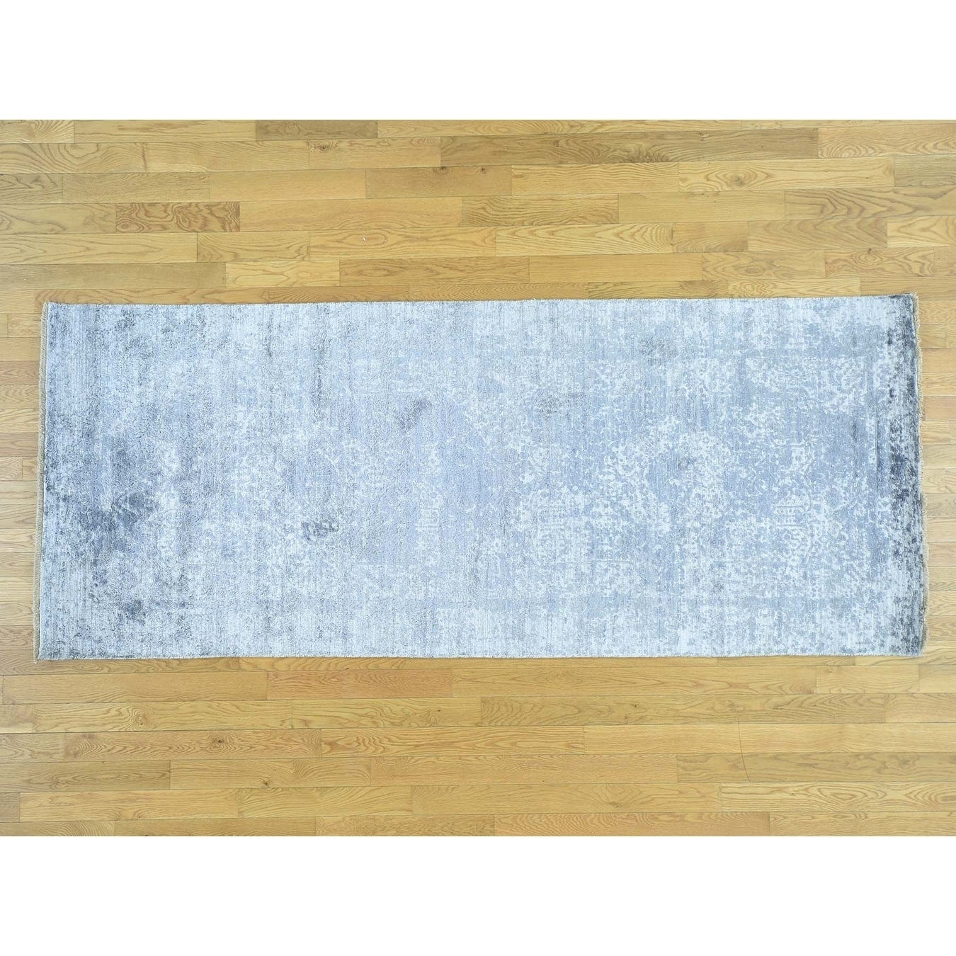 Hand Knotted Grey Modern & Contemporary with Wool & Silk Oriental Rug - 4 x 98