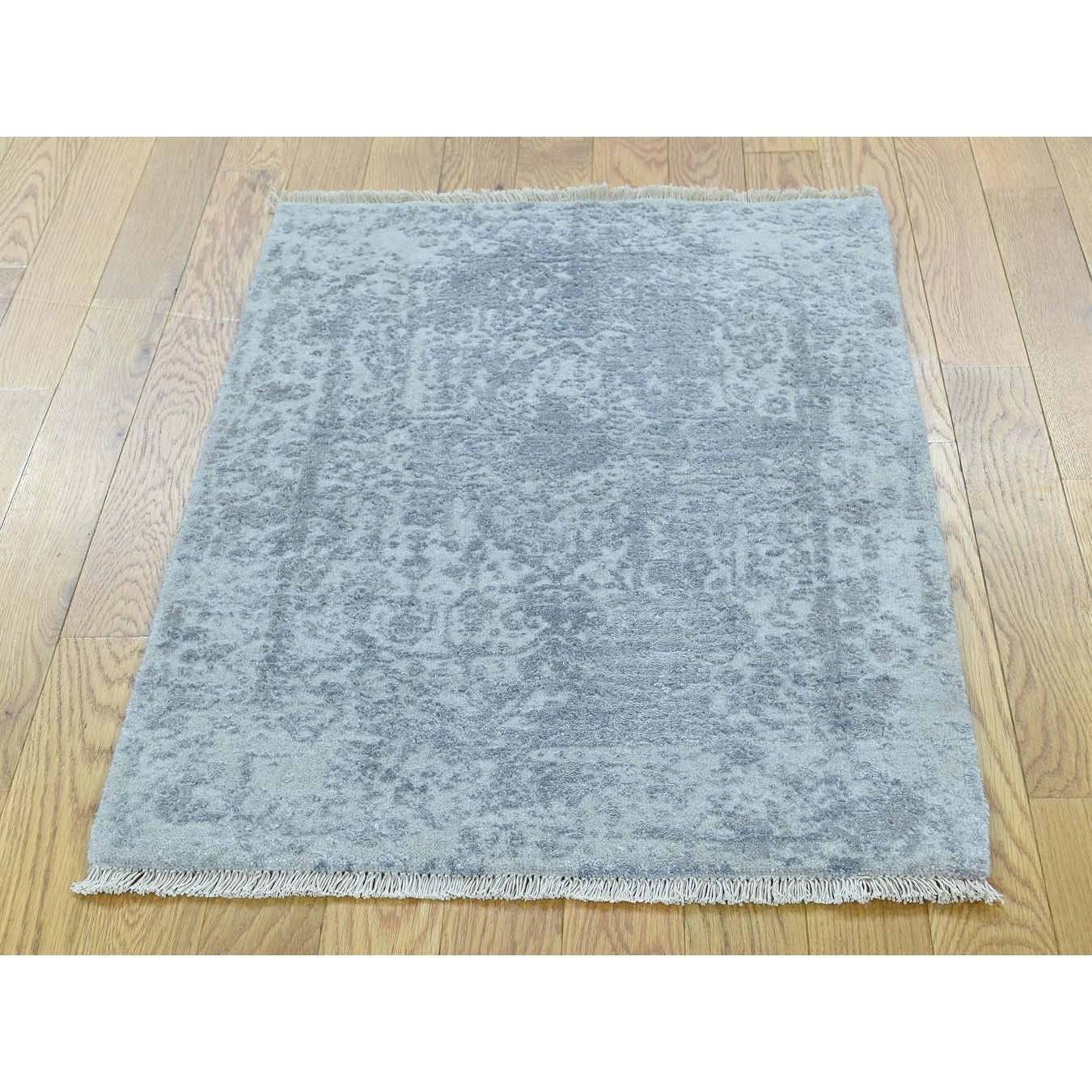 Hand Knotted Grey Modern & Contemporary with Wool & Silk Oriental Rug - 21 x 3