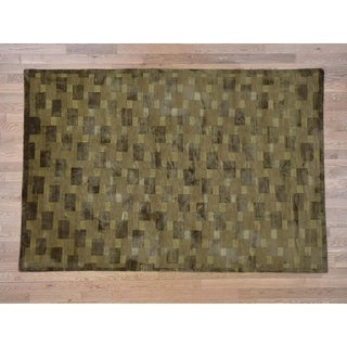 Hand Knotted Green Clearance with Wool & Silk Oriental Rug - 5'7 x 8'4