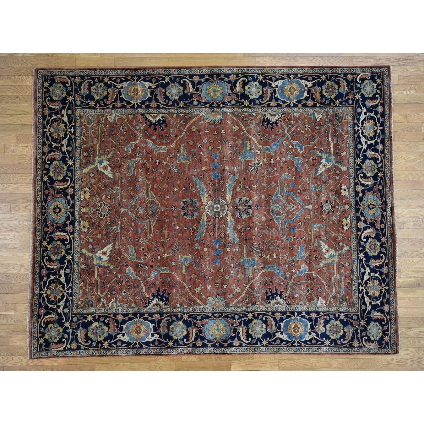 Hand Knotted Red Heriz with Wool Oriental Rug - 81 x 10