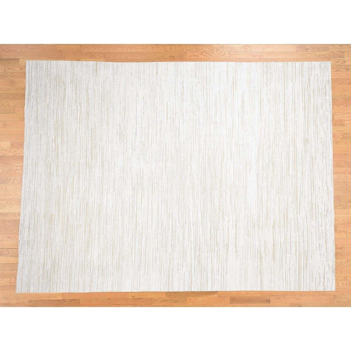 Hand Knotted Ivory Modern & Contemporary with Wool & Silk Oriental Rug - 9 x 12