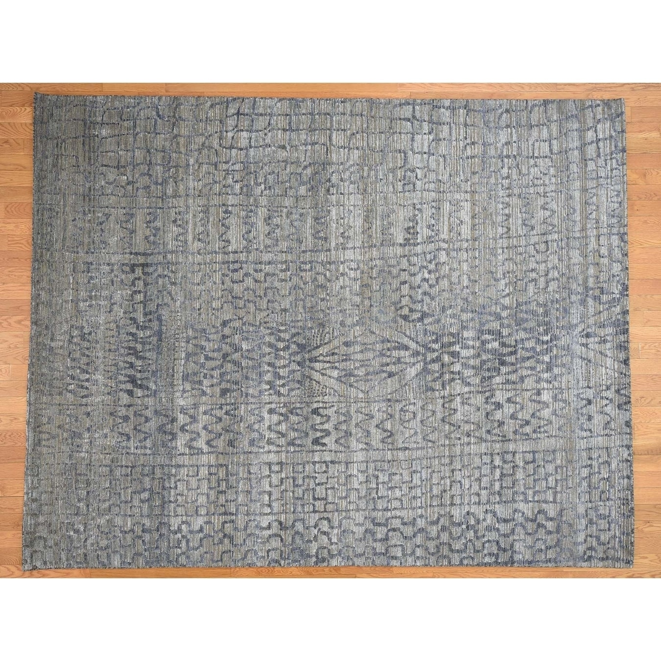 Hand Knotted Blue Modern & Contemporary with Wool & Silk Oriental Rug - 8 x 101