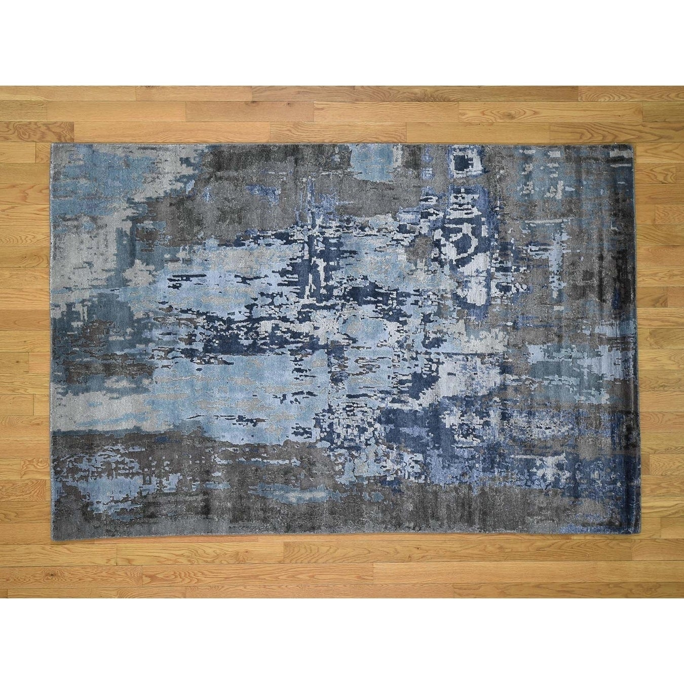 Hand Knotted Grey Modern & Contemporary with Wool & Silk Oriental Rug - 51 x 77