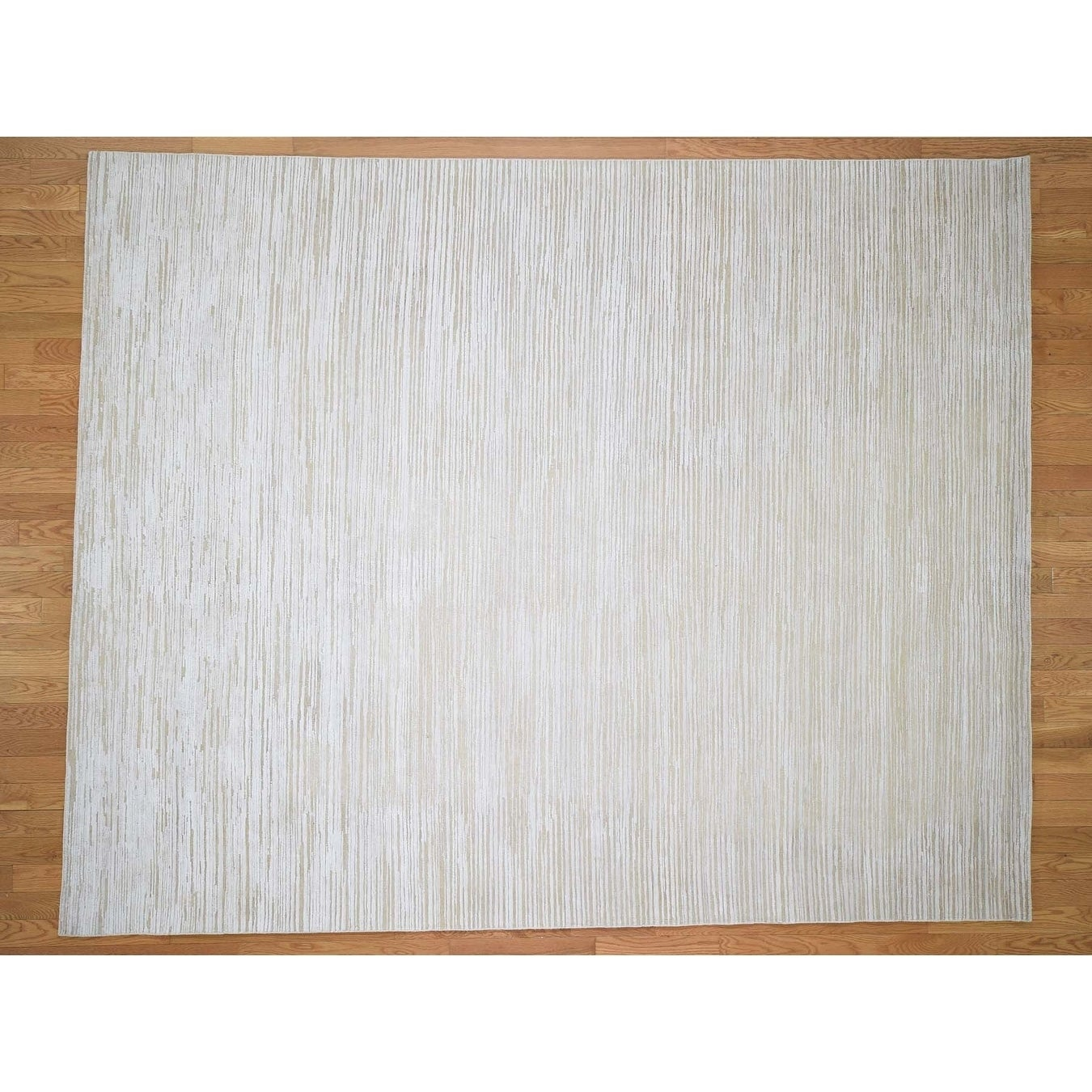 Hand Knotted Ivory Modern & Contemporary with Wool & Silk Oriental Rug - 81 x 10