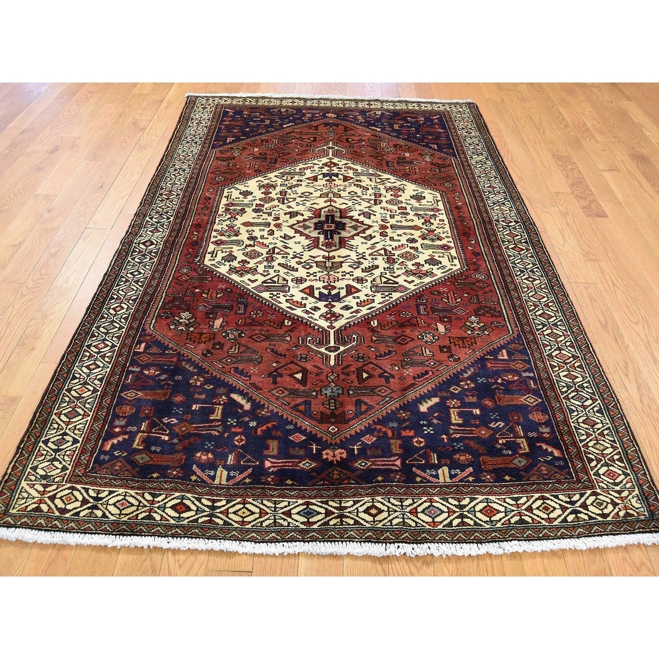 Hand Knotted Ivory Persian with Wool Oriental Rug - 45 x 65