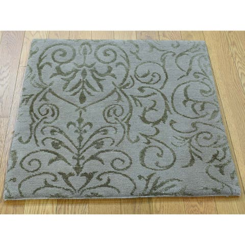 Hand Knotted Grey Modern & Contemporary with Wool & Silk Oriental Rug - 2'1 x 2'2