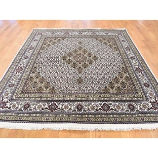 Hand Knotted Ivory Fine Oriental with Wool & Silk Oriental Rug - 6' x 6'