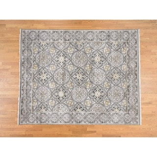 Hand Knotted Ivory Modern & Contemporary with Wool & Silk Oriental Rug - 8'10 x 11'10