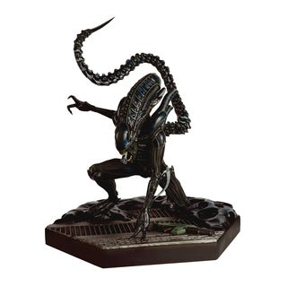 Eaglemoss Alien Predator Figurine Collection #9 Mega Xenomorph Warrior