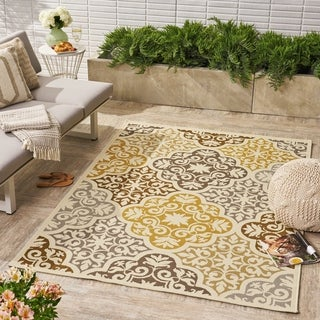 Winnett Indoor/ Outdoor Floral 5 x 8 / 8 x 11 Area Rug by Christopher Knight Home