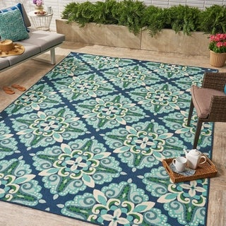 Kaia Indoor/ Outdoor Floral 5 x 8 / 8 x 11 Area Rug by Christopher Knight Home