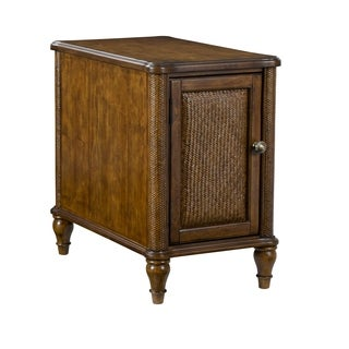Broyhill Amalie Bay Chairside Table