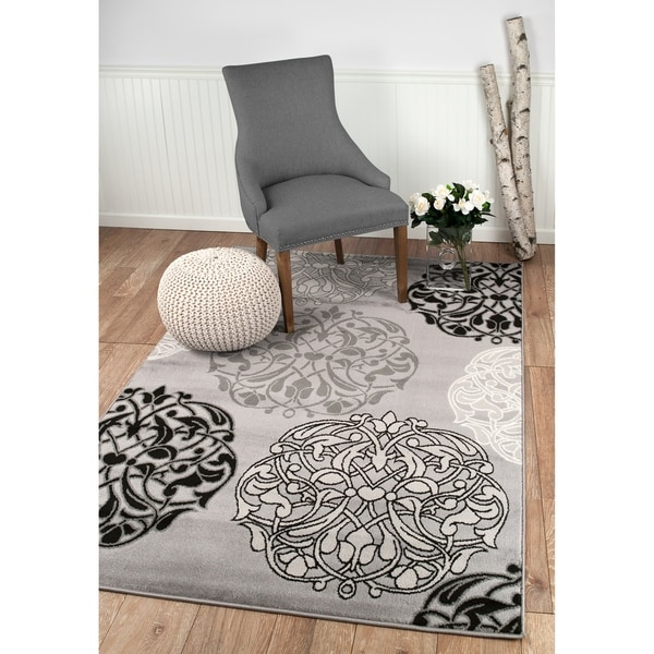 "Summit Grey Abstract Palm Palm Design Area Rug - 7""4' x 10'6'"