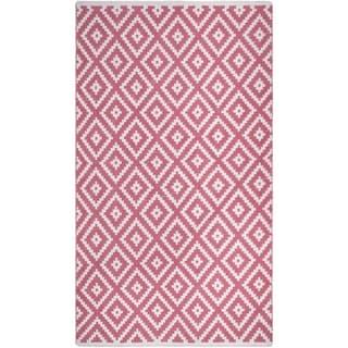 Handmade Chanler Blush Indoor/Outdoor Floor PET Rug (India) - 5' x 8'