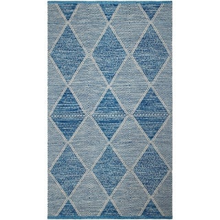 Handmade Blue Hampton Indoor/Outdoor PET Rug (India) - 4' x 6'
